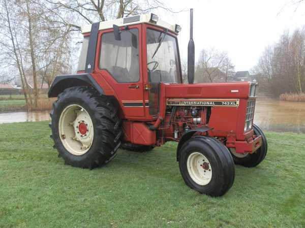 Tractor international 743 hvmzeeland for Tractor verlichting